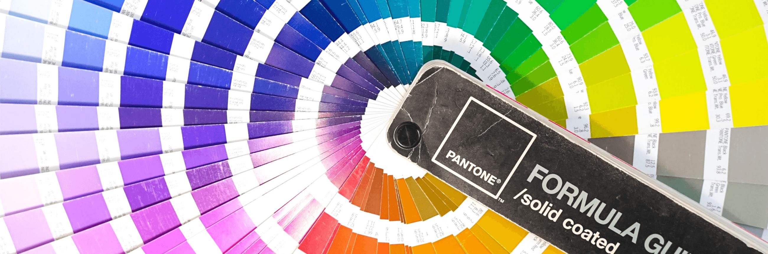 La différence entre les couleurs CMJN, RVB et Pantone PMS